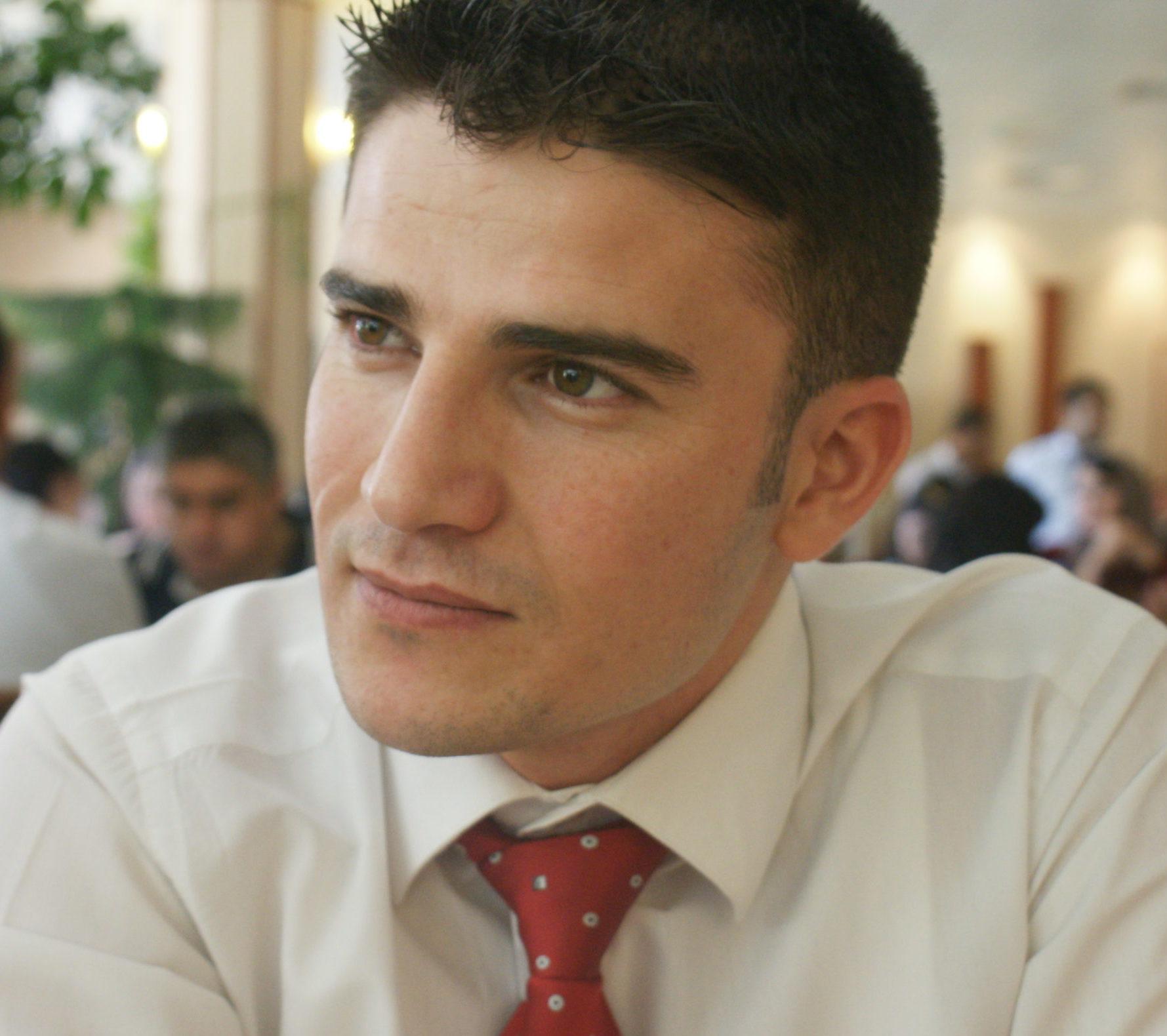 Rezaq Ozer